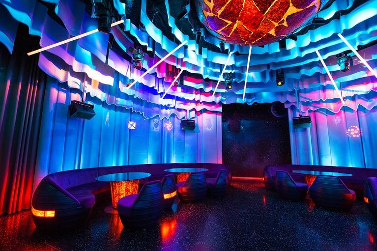 звуковое и световое оборудование для караоке ресторана